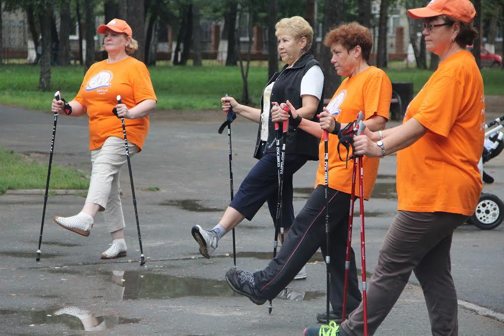 Скандинавская ходьба для женщин